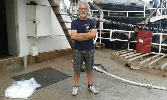Uno dei due pescatori arrestati dalle autorità del Gambia