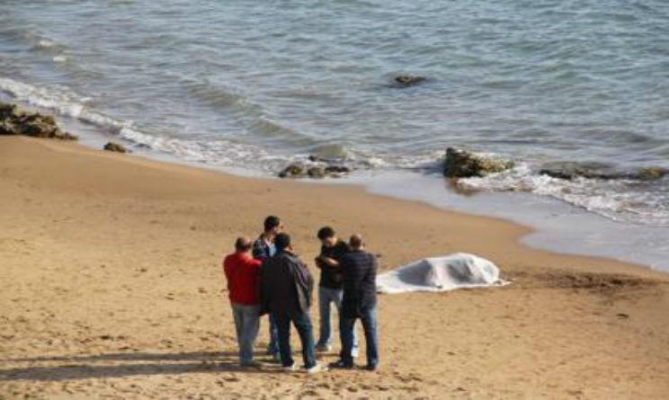 Il cadavere ritrovato in spiaggia