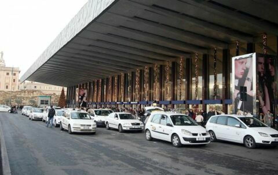 La stazione dei taxi